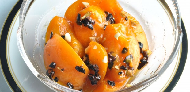 Apricots with Cacao Nibs from Extraordinary Vegan