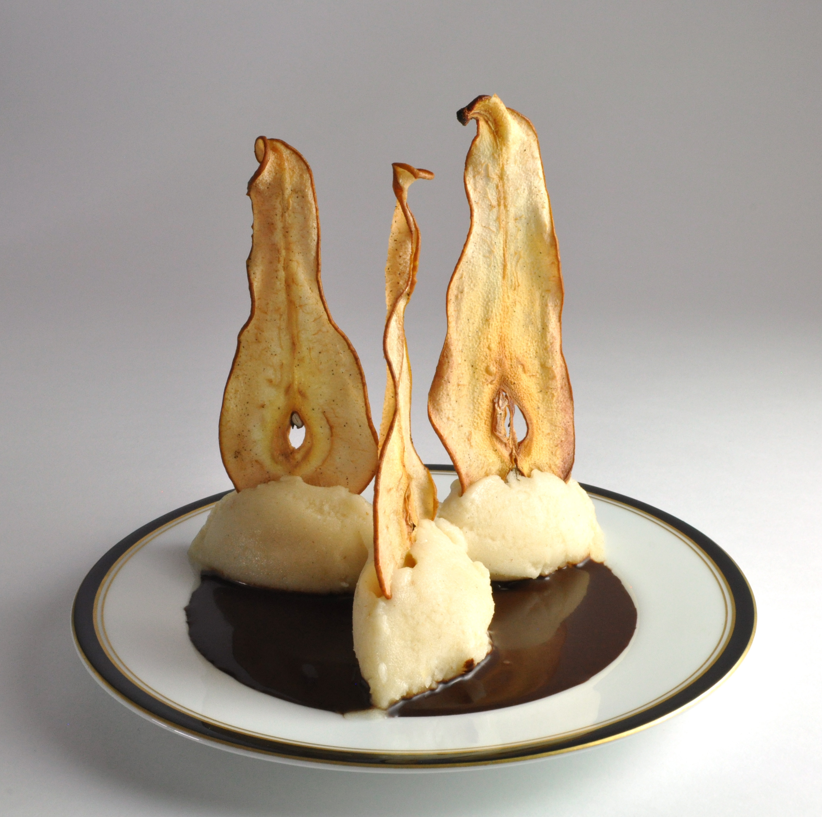 Alan Roettinger – Pear Sorbet with Chocolate Sauce and Pear Chips